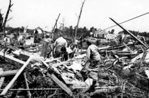 Worcester_Tornado_1953_Photo_15