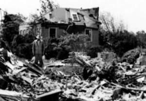 Worcester_Tornado_1953_Photo_21