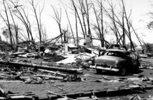Worcester_Tornado_1953_Photo_23
